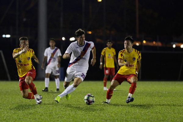Team Captain Phil Younghusband at one of the tune-up matches of Davao Aguilas FC in Kuala Lumpur, Malaysia recently (Photo by Mickey Sanchez)