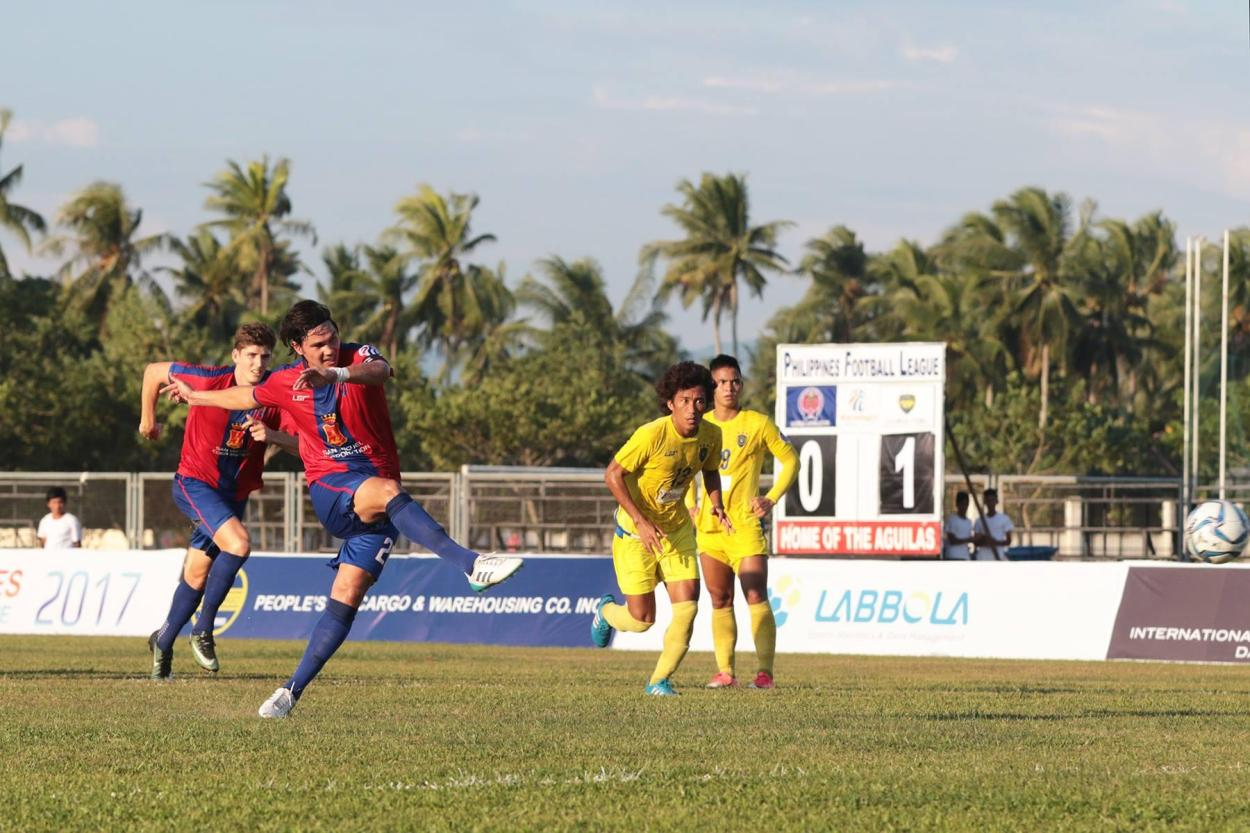 Davao Aguilas FC Team Captain Phil Younghusband going for the goal, at one of their recent matches in Tagum City, which ended in a draw.