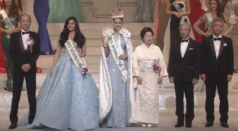 Miss International 2016 Kylie Versoza, Miss International 2017 Kevin Lilliana