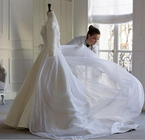 Song Hye Kyo's wedding dress (Instagram/Dior)