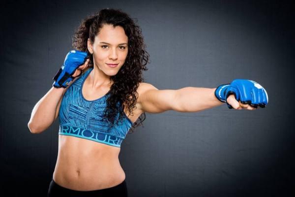 Alejandra Lara (Facebook/Bellator MMA)