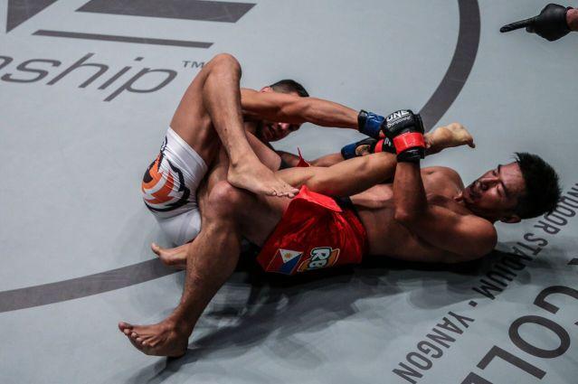 Kairat Akhtemov, Geje Eustaquio (©ONE Championship)