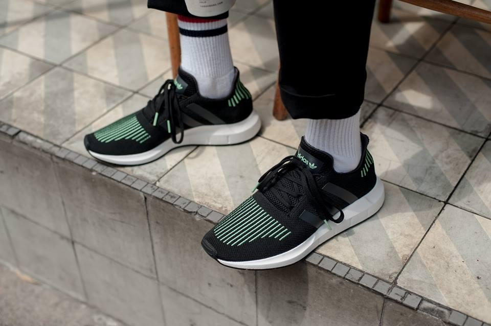 Shoefacebookurban Adidas Men's Swift Athletics– Daily Running Conan SqMGVUzp