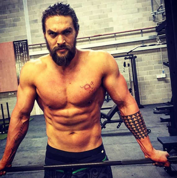 'Aquaman' Star Jason Momoa To Attend Wizard World Comic