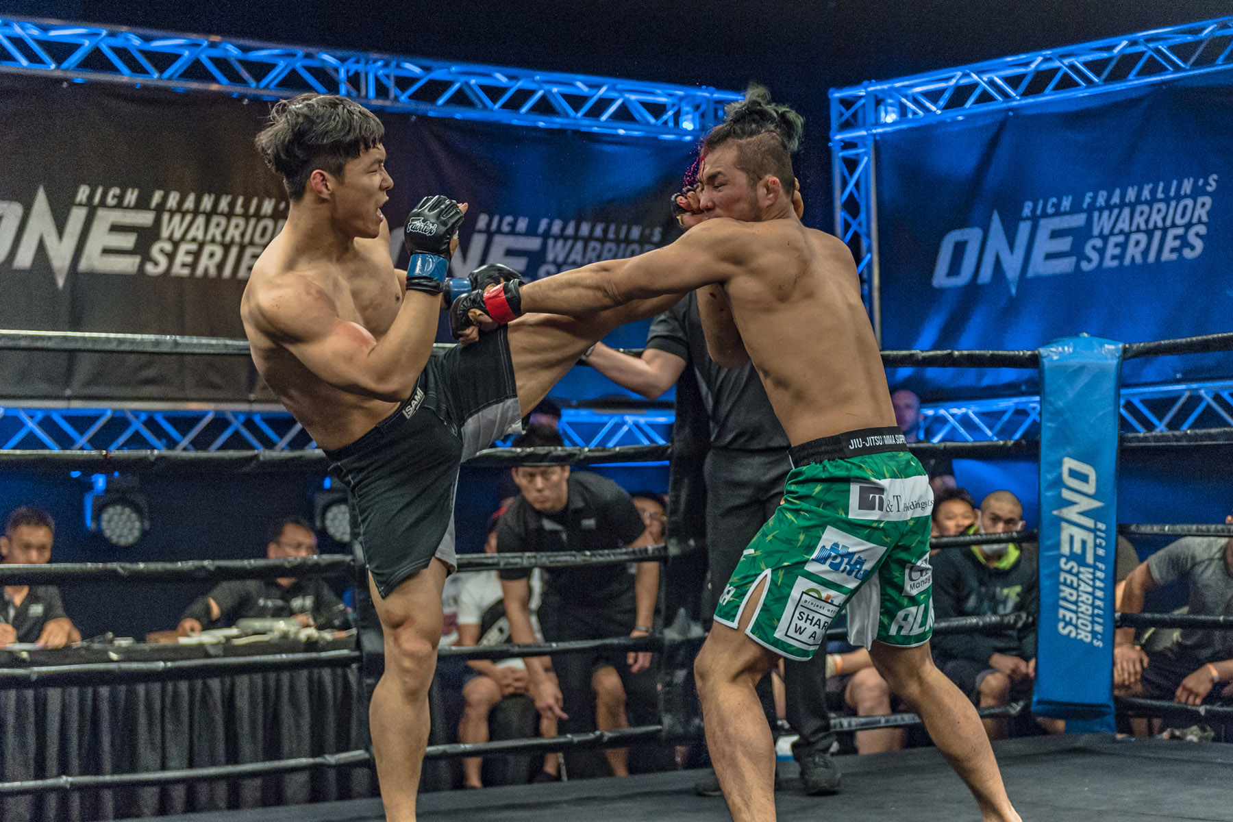 (Left) Dae Sung Park clashing with (Right) Kimihiro Eto at the first ever OWS event