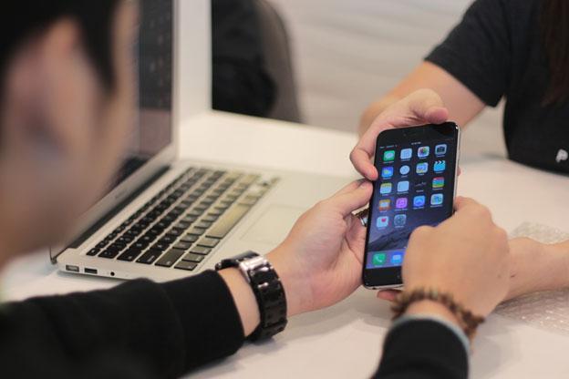 iPhone display repairs