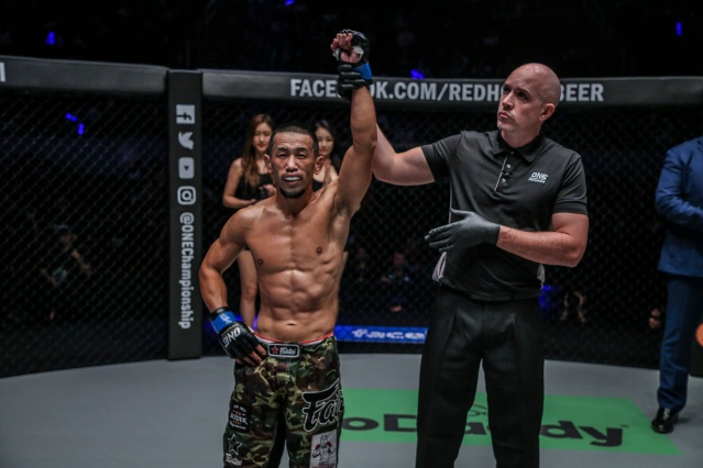 Akihiro Fujisawa, Olivier Coste (© ONE Championship)