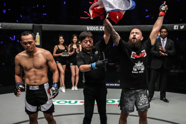Dutch-Indonesian MMA fighter Anthony Engelen wins 2 ONE Championship bouts in 8 days
