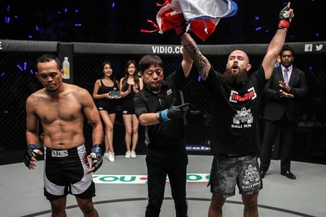 Anthony Engelen, Yuji Shimada, Jimmy Yabo (©ONE Championship)
