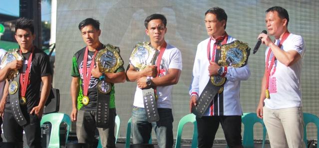 Joshua Pacio, Geje Eustaquio, Mark Sangiao, Kevin Belingon, Eduard Folayang (© ONE Championship)