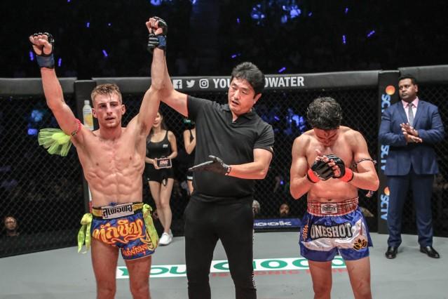 Jonathan Haggerty, Atsushi Onari, Joseph Lasiri (© ONE Championship)