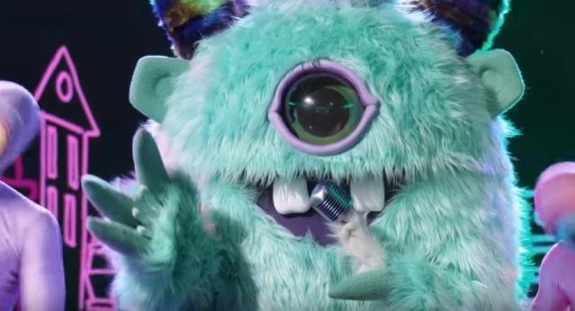 'The Masked Singer' guesses: The Monster is Derek Jeter, Robin Thicke thinks