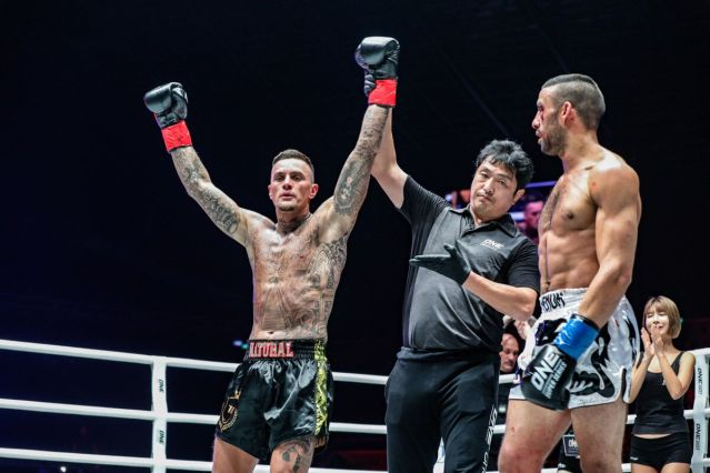 Nieky Holzken, Olivier Coste, Mustapha Haida (© ONE Championship)