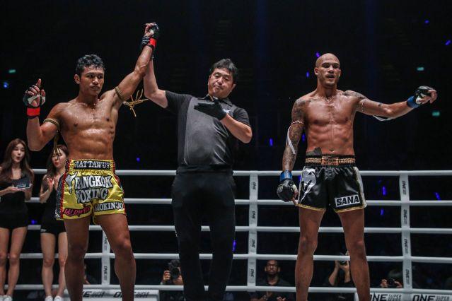 Jo Nattawut, Atsushi Onari, Samy Sana (© ONE Championship)
