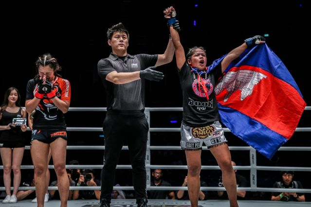 Rika Ishige, Kemp Cheng, Nou Srey Pov (© ONE Championship)