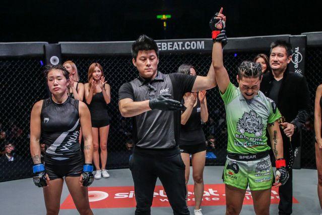 Angela Lee, Kemp Cheng, Xiong Jing Nan, Chatri Sityodtong (©ONE Championship)