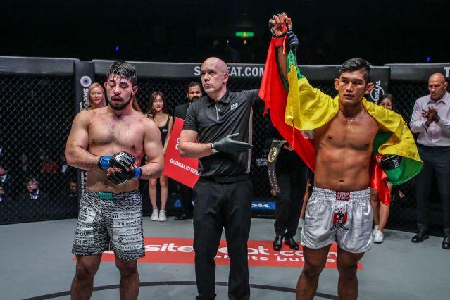 Ken Hasegawa, Olivier Coste, Aung La N Sang (©ONE Championship)