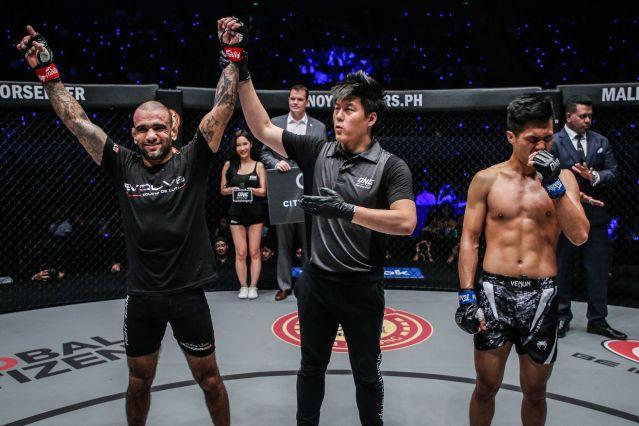 Leandro Issa, Kemp Cheng, Fu Chang Xin (© ONE Championship)