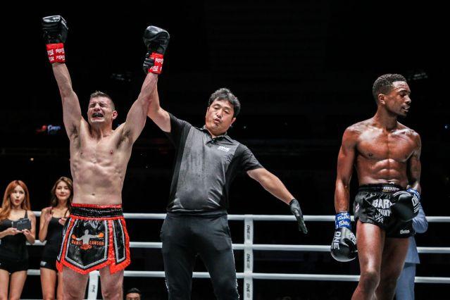 Daniel Dawson, Atsushi Onari, Brown Pinas (© ONE Championship)