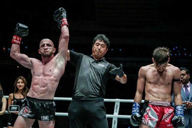 Dzhabar Askerov, Atsushi Onari, Enriko Kehl (© ONE Championship)