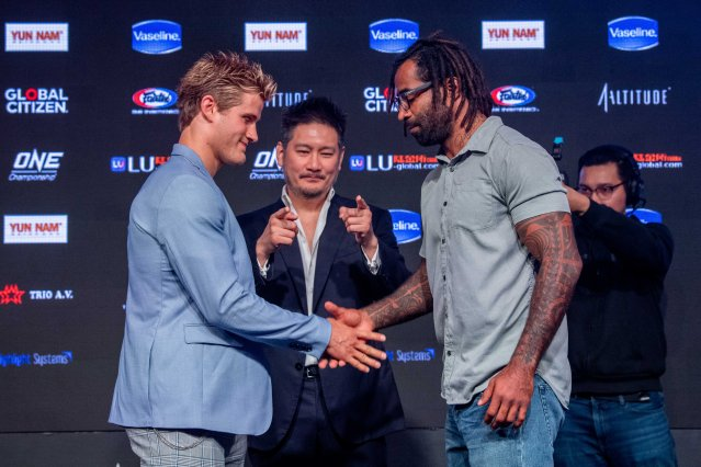 Sage Northcutt, Chatri Sityodtong, Cosmo Alexandre (© ONE Championship)