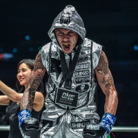 Samy Sana beats Yodsanklai IWE Fairtex in ONE Featherweight Kickboxing World Grand Prix quarter-finals in Singapore