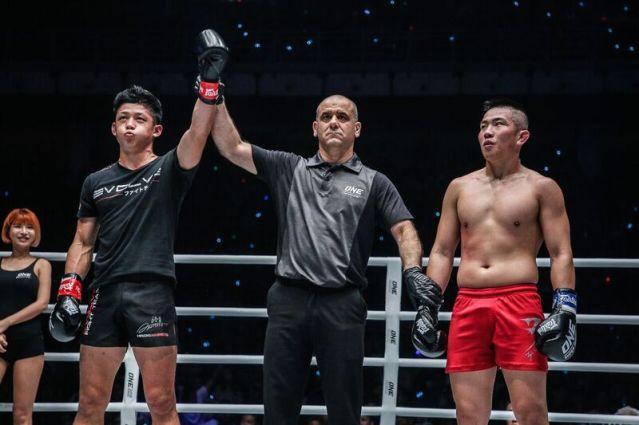 Hiroki Akimoto, Elias Dolaptsis, Kenny Tse (© ONE Championship)