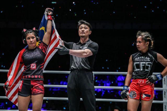 Jihin Radzuan, Yoshinori Umeki, Jomary Torres (© ONE Championship)