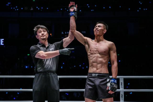 Yoshinori Umeki, Xie Bin (© ONE Championship)