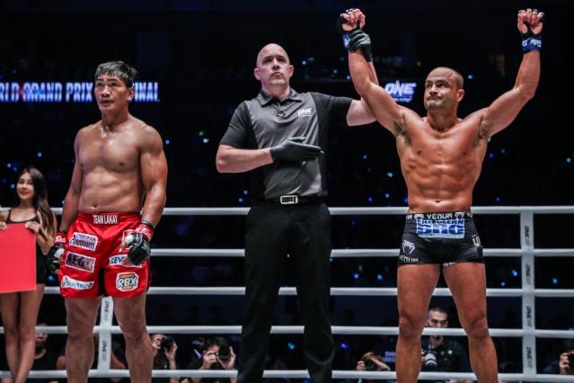 Eduard Folayang, Olivier Coste, Eddie Alvarez (©ONE Championship)