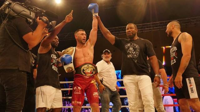Yohan Lidon, Michael Jai White (©World Kickboxing Network)