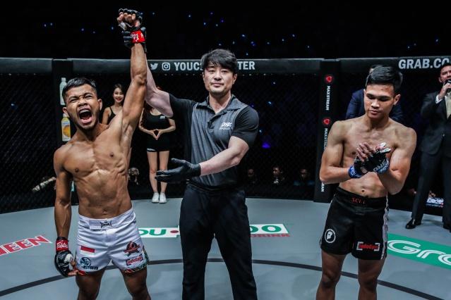 Adi Paryanto, Yoshinori Umeki, Angelo Bimoadji (©ONE Championship)