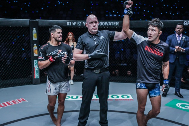Johnny Nunez, Olivier Coste, Kazuki Tokudome (©ONE Championship)
