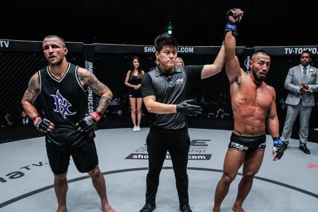 Hernani Perpetuo, Kemp Cheng, Hiroyuki Tetsuka (©ONE Championship)