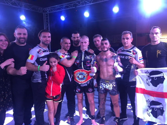 Ougo Huet (center) (©World Kickboxing Network)