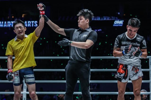 Yoshitaka Naito, Kemp Cheng, Pongsiri Mitsatit (©ONE Championship)