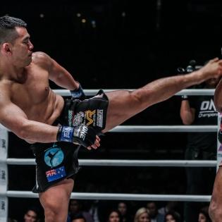 Ev Ting, Amir Khan (©ONE Championship)