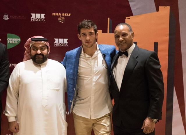 Ahmad Al Wazzan, Sola Axel, Densign White