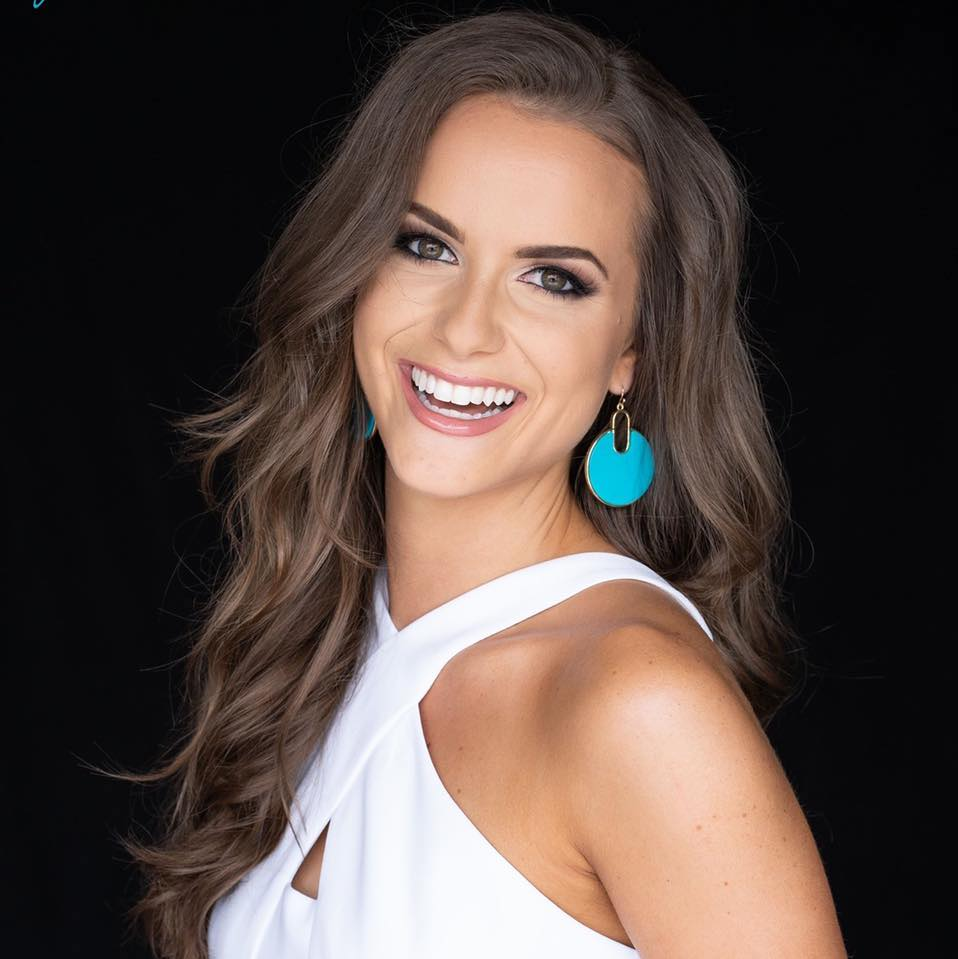 Virginia S Camille Schrier Crowned Miss America 2020 By Nia