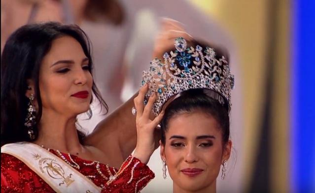 Valeria Vazquez Latorre, Anntonia Porsild