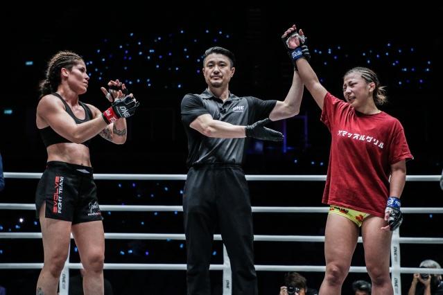 Maira Mazar, Yoshinori Umeki, Ayaka Miura (©ONE Championship)