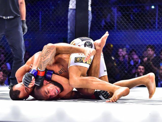 Cleiton Silva, Luan Santiago (©BRAVE Combat Federation)