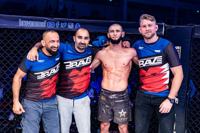 [1st-2nd from right] Khamzat Chimaev, Alexander Gustafsson (©BRAVE Combat Federation)
