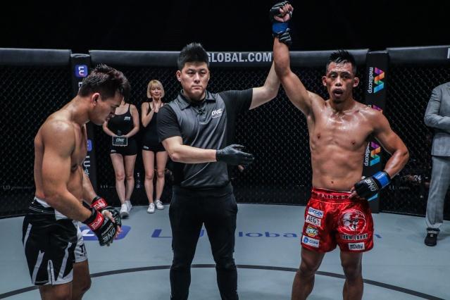 Shannon Wiratchai, Kemp Cheng, Honorio Banario (©ONE Championship)