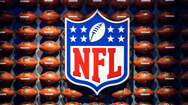 NFL wall (©Hence the Boom)