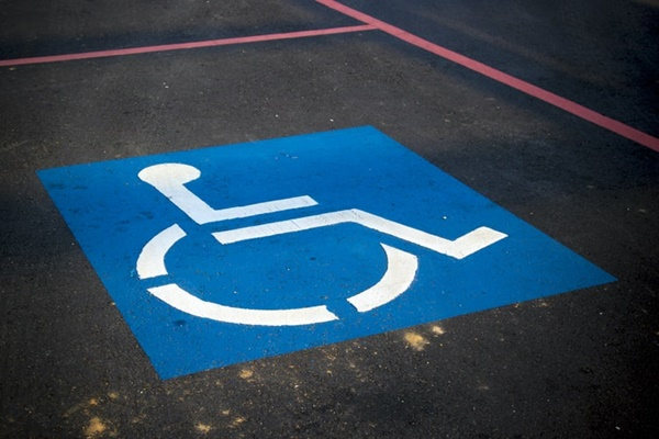 disabled parking (©AbsolutVision)