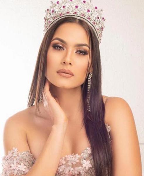 Andrea Meza