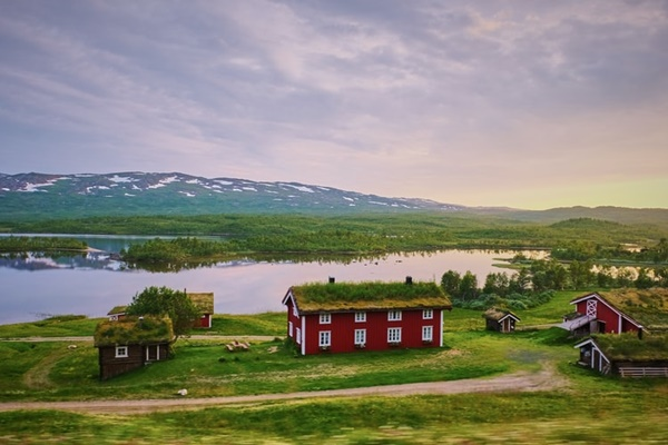 houses in Sweden (©Jessica Pamp)