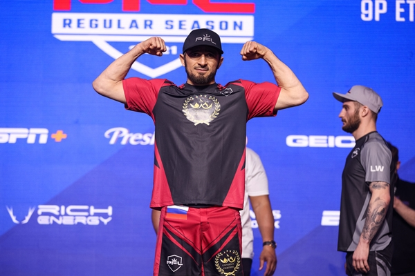 Akhmed Aliev (©Professional Fighters League)