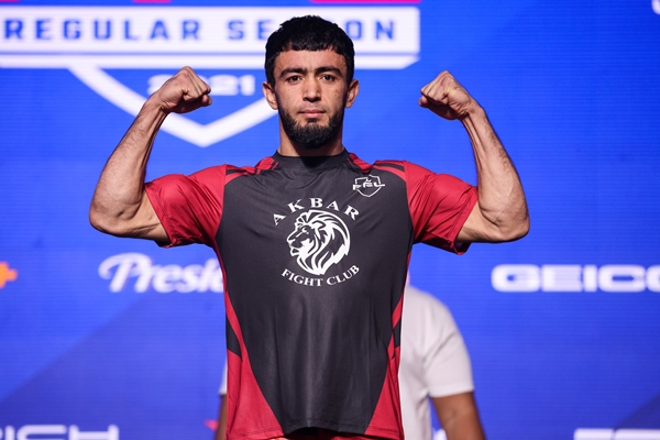 Loik Radzhabov (©Professional Fighters League)